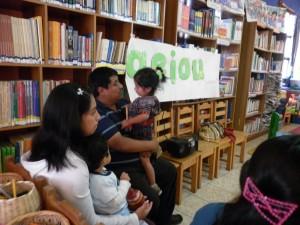 Familias lectoras en la Biblioteca comunitaria Ventanas abiertas al futuro, Chiché (Guatemala)