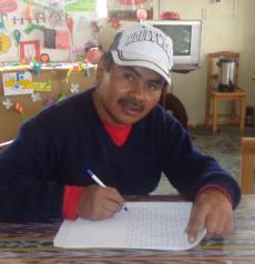 """Don Jeremías García, profesor de 5º grado de la Escuela Rural Mixta """"Adrián Inés Chávez"""""""